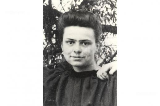 Elisabeth de la trinite nee elisabeth catez le 18 juillet 1880 deviendra sainte ce 16 octobre a rome apres la ceremonie du pape fran